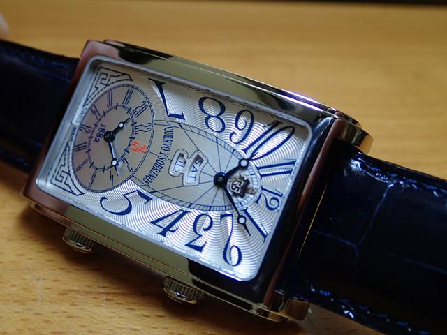 クエルボ・イ・ソブリノス 腕時計