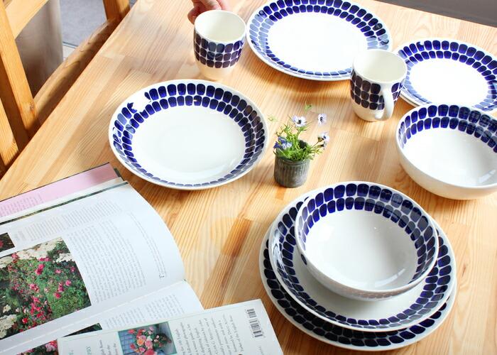 アラビアのアベックなど北欧ブランドの青い食器の愛用品のおすすめは?