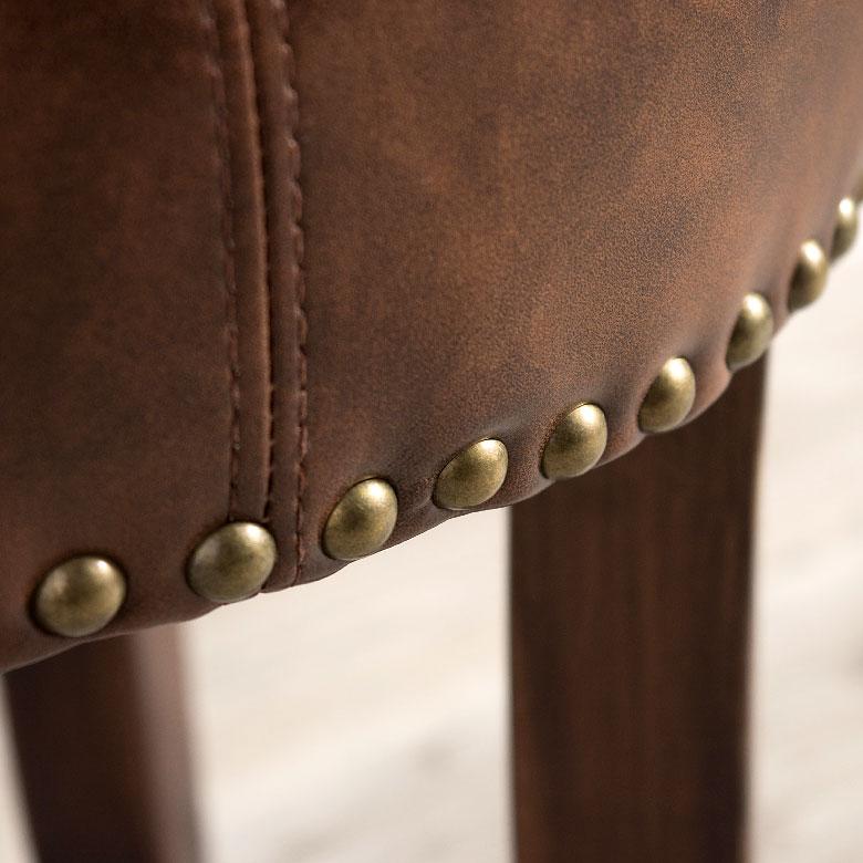 天然皮革の自然の風合いや耐久性・吸湿性はそのままに、環境にやさしい素材です。