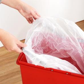 袋止め付きでゴミ袋がズレ落ちる心配がありません。