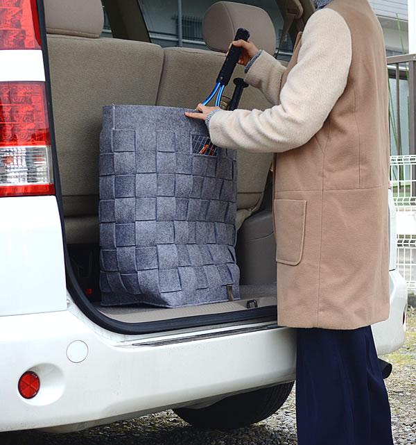 マチがしっかりしているので自立型のバッグはランドリー以外にもアウトドアシーンにも活躍してくれます