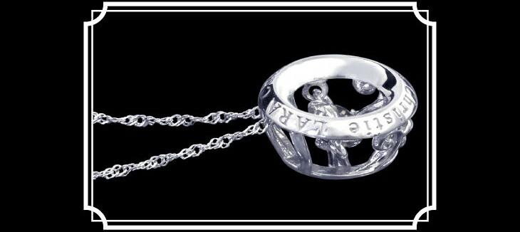 ブランド LARA Christie(ララクリスティー)のEXZA エグザ COLLECTION K18 ネックレスのサイド画像。