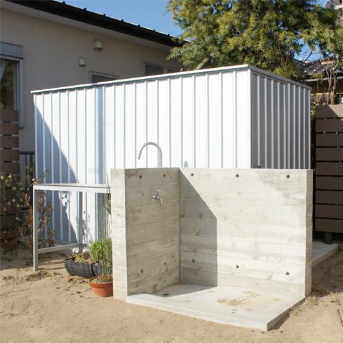 ユーロ物置 1530SQ1 シルバー 物置本体のみ (床なし+アンカーなし) キューブ型 片側開き戸_使用・設置イメージ02