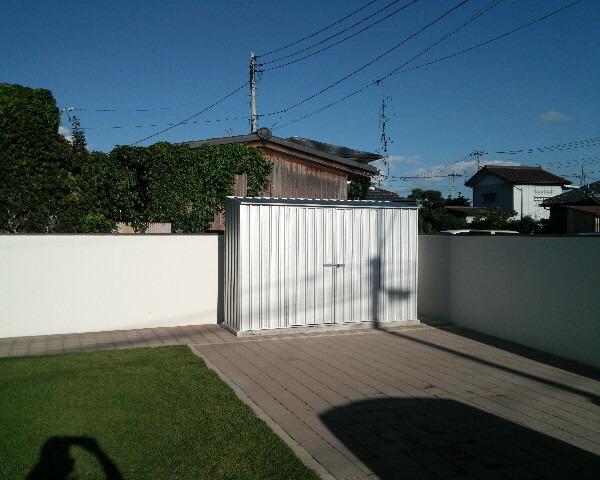 ユーロ物置 3008K2 シルバー 物置本体のみ (床なし+アンカーなし) 片流れ屋根 二枚扉_使用・設置イメージ06